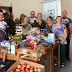 Asilo recebe 250 kilos de alimentos do Grupo de Amigos da Bike
