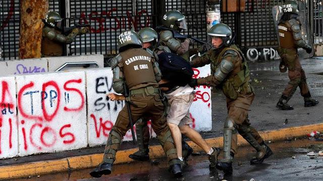 El Parlamento chileno cita al ministro de Defensa y al director de Carabineros por los casos de represión