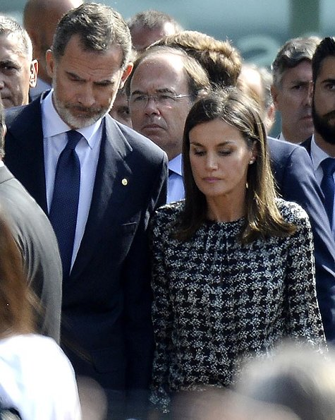 King Felipe and Queen Letizia at memorial ceremony for victims of Barcelona and Cambrils terrorist attack. Carolina Herrera