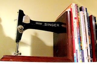 Vintage sewing machine bookends - detail 1
