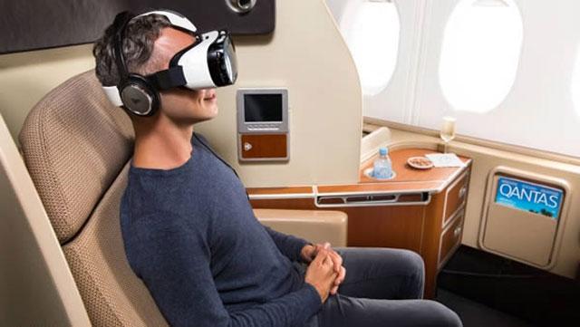 Qantas Air yang menawarkan Headset Virtual Reality