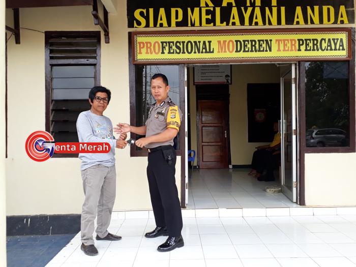 Minimalisir Bahaya Senpi, Kades Tanjungraya Serahkan Senpi Rakitan Milik Warga ke Polsek
