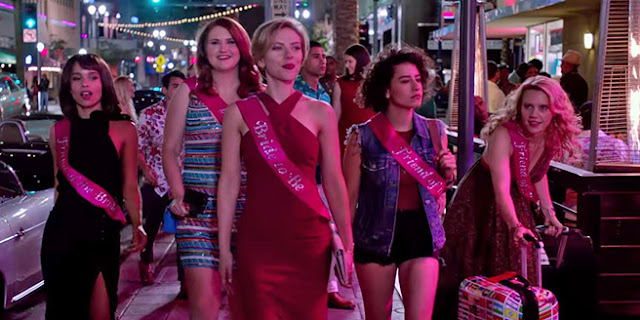 Blair (Zoë Kravitz), Alice (Jillian Bell), Jess (Scarlett Johansson), Frankie (Ilana Glazer), et Pippa (Kate McKinnon) dans Pire soirée