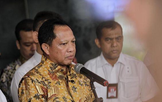 Bupati Wakatobi Deklarasi Pilkada Undang Seribuan Orang, Pak Tito Langsung Menegur