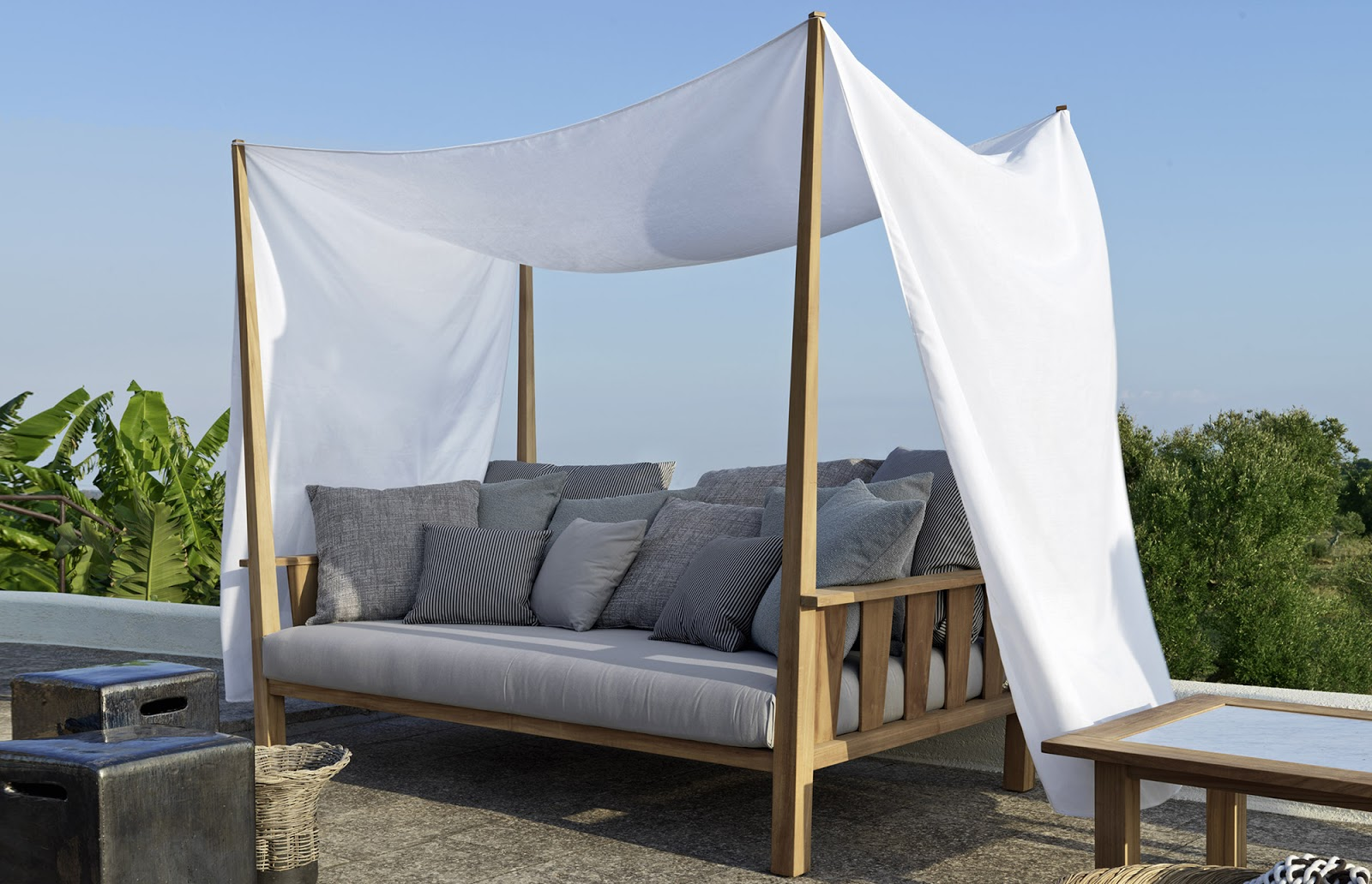 Garden furniture with a canopy