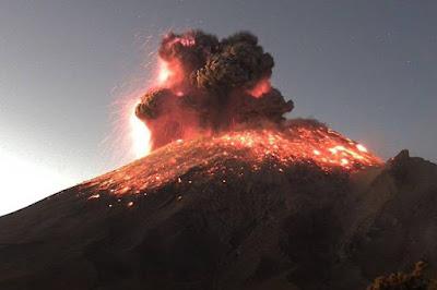 Vulcão a 85 quilômetros da Cidade do México entra em erupção