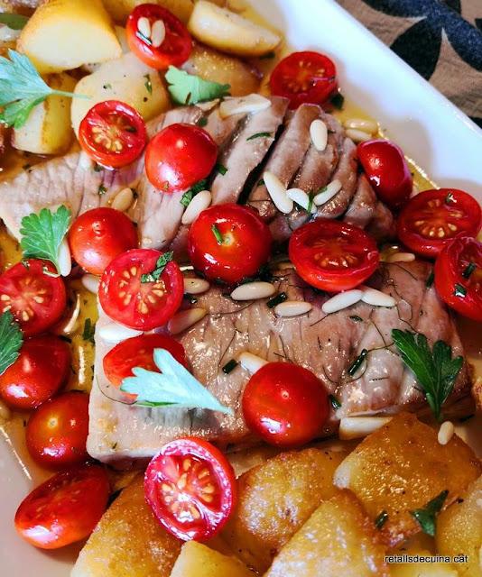 Ventresca de tonyina amb patates i salsa de mel