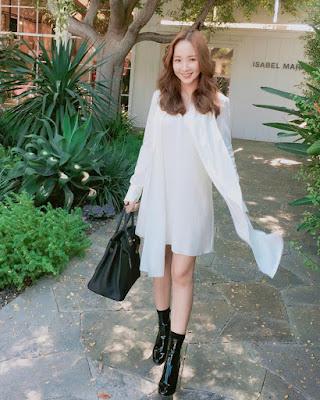 OOTD manis dan seksi Park Min Young