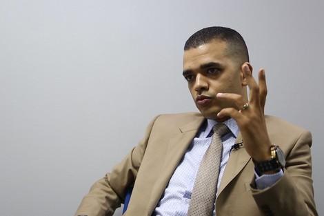 باحث: الفقر والاحتجاج لا يسقطان الجنسية عن المواطن المغربي