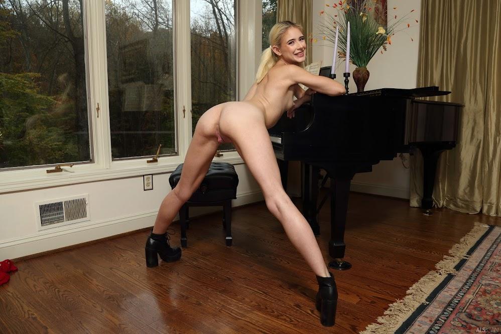 [Stella] Jessie Saint - Spreading Recital