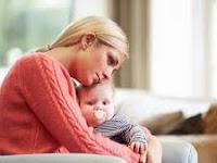 Bayi Yang Sedang Sakit Tidak Boleh Disusui. Mitos atau Fakta?