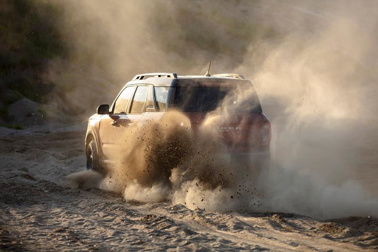 Ford Bronco Sport 2021 ra mắt, giá từ 28.155 USD