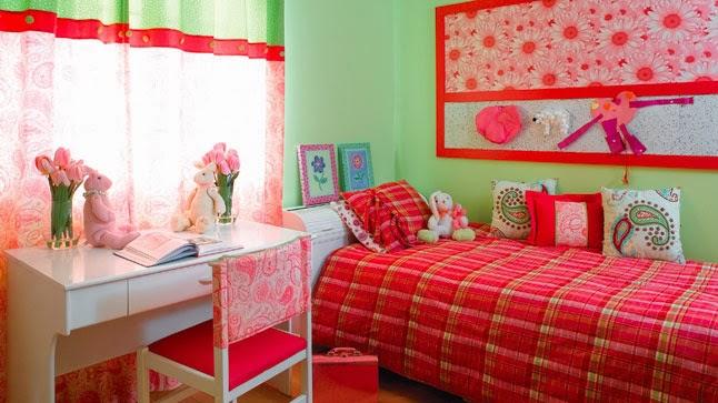 Dormitorio para ni as en color coral dormitorios colores - Paredes para ninas ...