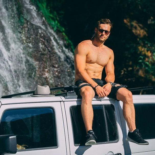 handsome-beefy-hairy-bare-chest-gay-top-sunglasses-car