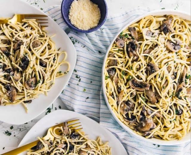 Garlic Butter Mushroom Pasta #vegetarian #dinner