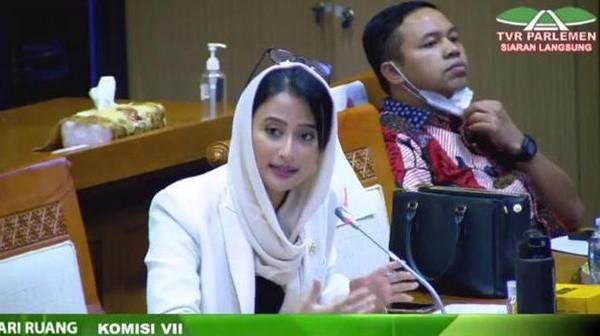 Interupsi Paripurna, Anggota DPR Usul Komisi VII Dibubarkan!