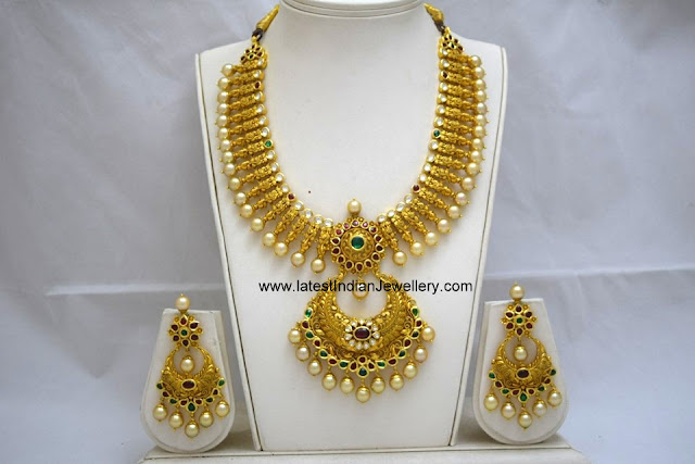 Chand Bali Pendant Gold Necklace