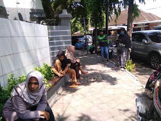 Diduga Dipotong, Warga Penerima PKH Desa Badean Lapor ke Polres Jember