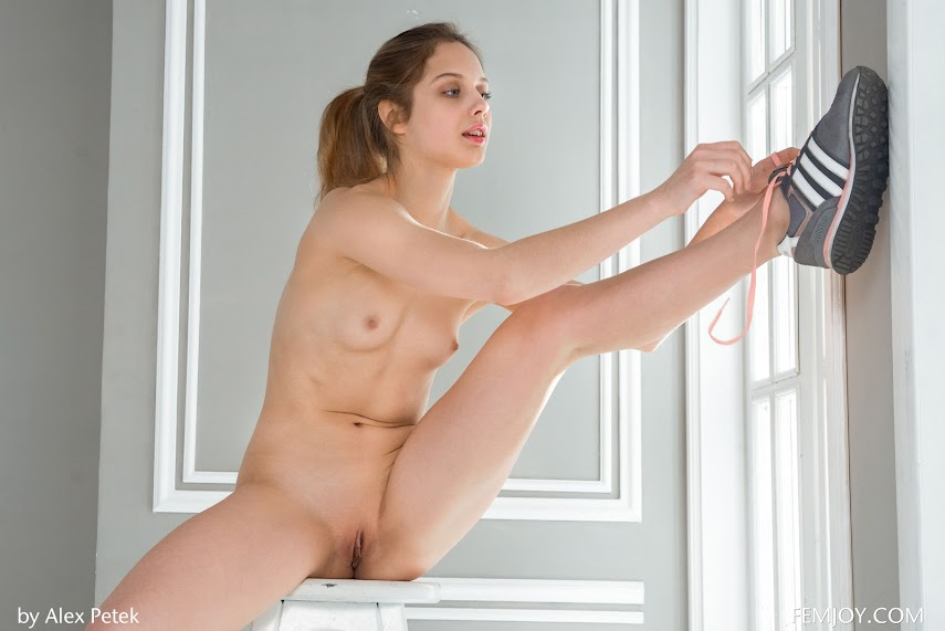 [FemJoy] Elvira U - Sporty BalletReal Street Angels