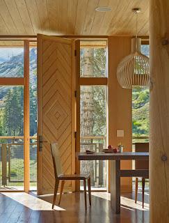 แบบพื้นไม้และเพดานไม้ในบ้าน