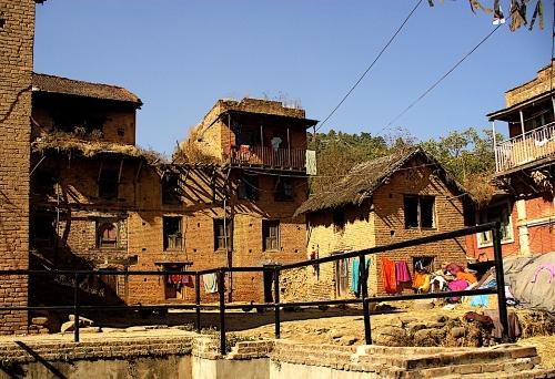mattoni-terra cruda-Nepal-costruzione
