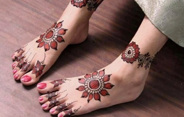 Mehndi Designs For Foot And Legs   पैरों लिए मेहंदी के डिजाईन