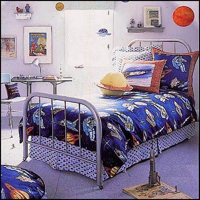 Dormitorio infantil tema universo