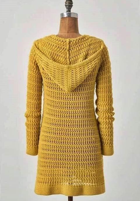 wzór na sweter z kapturem szydelkiem