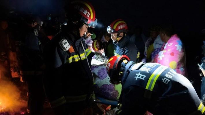 Upaya Evakuasi Peserta Huanghe Shilin Mountain Marathon 2021