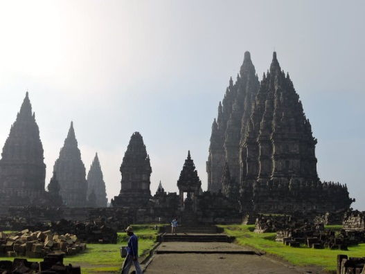 Tempat Wisata Populer yang Wajib Kamu Kunjungi di Jawa Tengah, Beserta Tarifnya