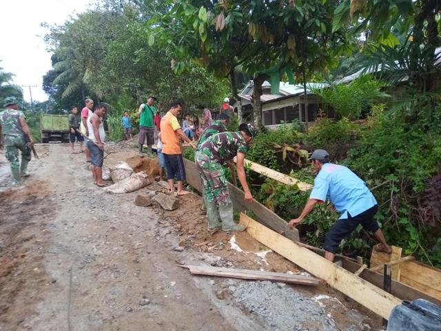 Bangun Parit Dan Jalan, Personel Jajaran Kodim 0207/Simalungun Laksanakan Karya Bhakti Diwilayah