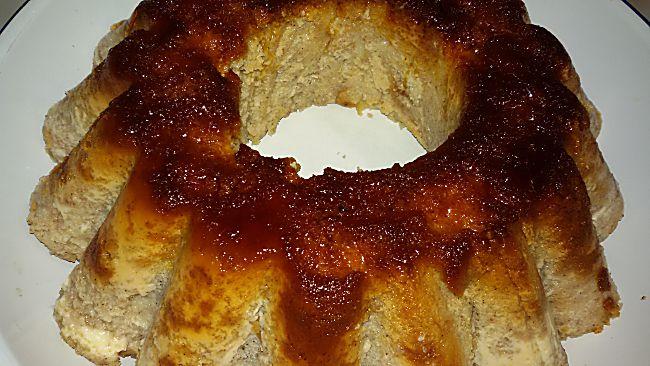 Pudín de pan con chocolate blanco