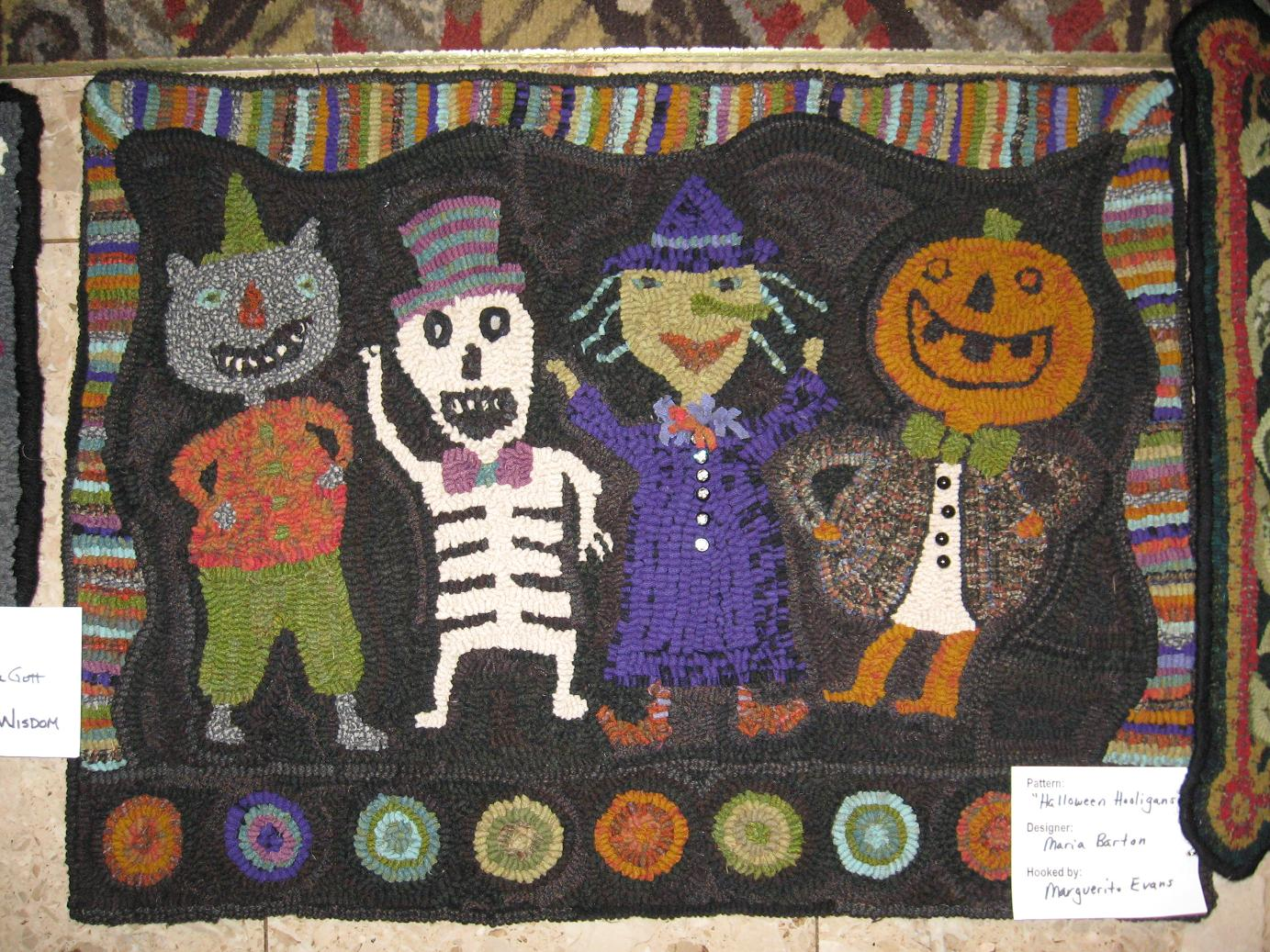 Another Great Halloween Rug Hooked By Marguerite Evans. A Star Rug  Company/Maria Barton Design.