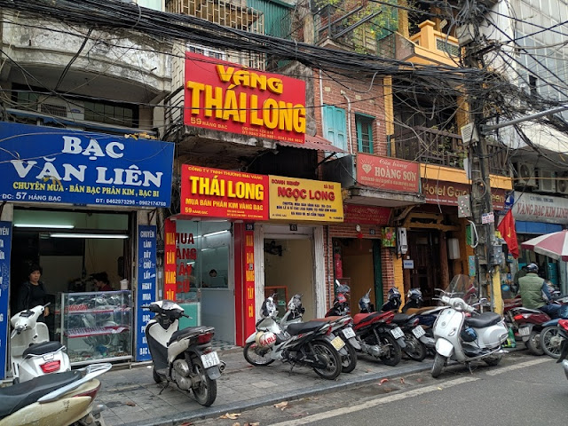 Famous Shopping Streets in Hanoi Old Quarter 6