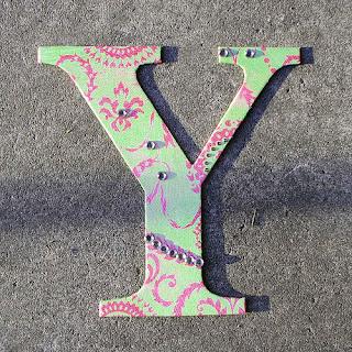 صور حروف خلفيات رومانسية مكتوب عليها حرف y