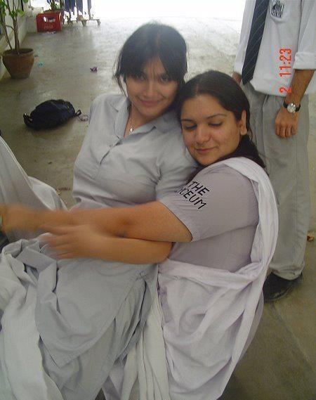 Tattoink Pakistani Beautiful Girls In College-5102