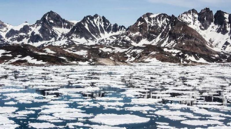 Ilmuwan: Lapisan Es Greenland Mencair Hingga 11 Miliar Ton
