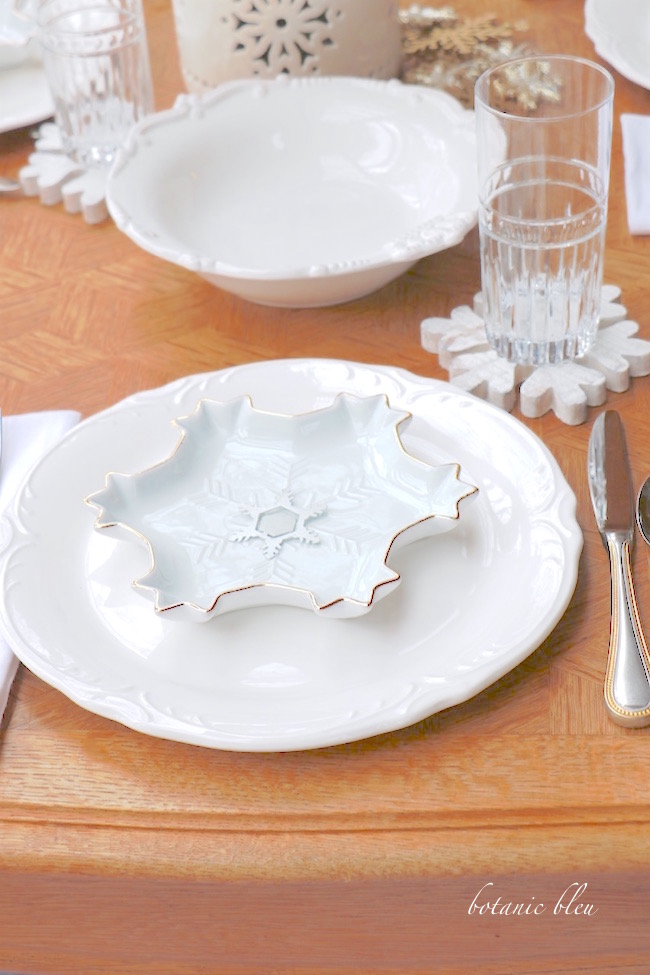 snowflake-winter-tablescape