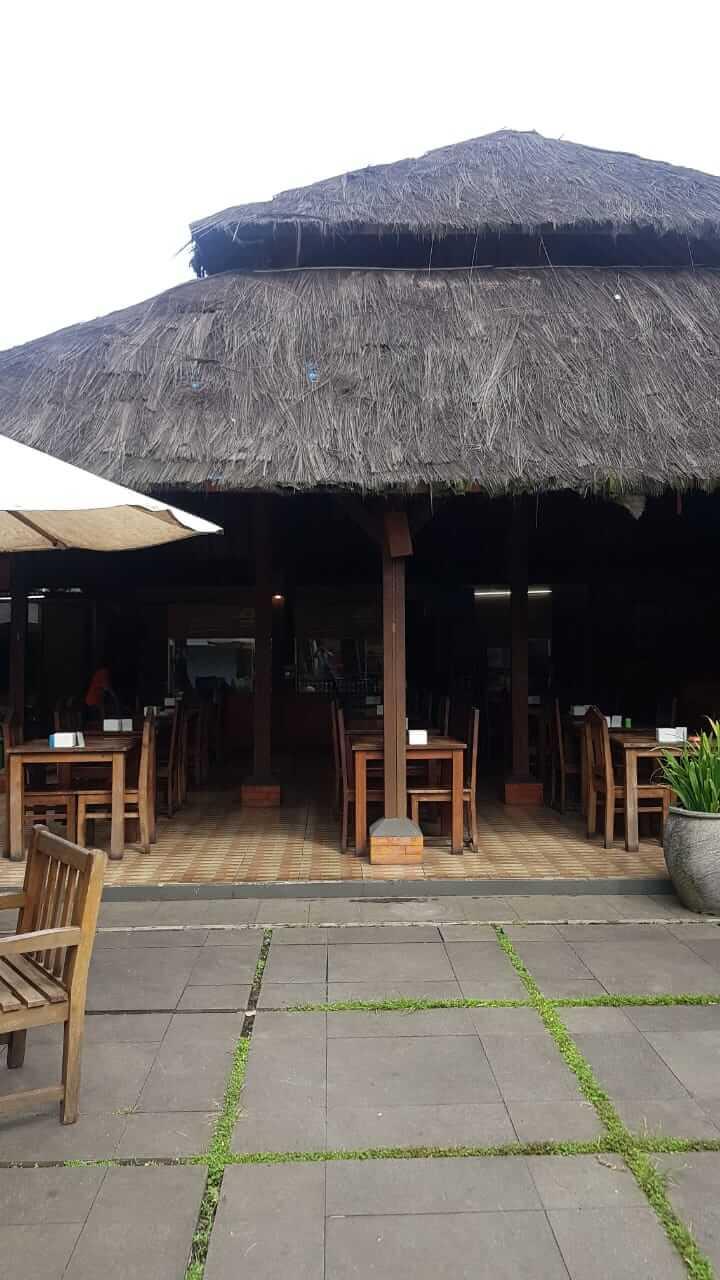Rumah Makan Saung Cibeureum SPBU Panghegar Cimahi
