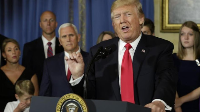 """En plena pandemia, Trump pide que Corte Suprema anule """"Obamacare"""""""