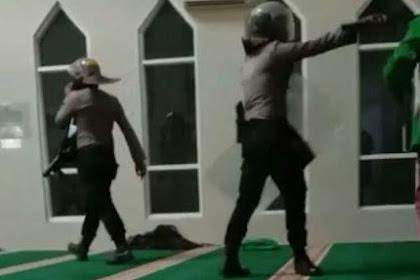 Polisi Bersepatu Masuk Masjid, MUI: Merendahkan Tempat Suci