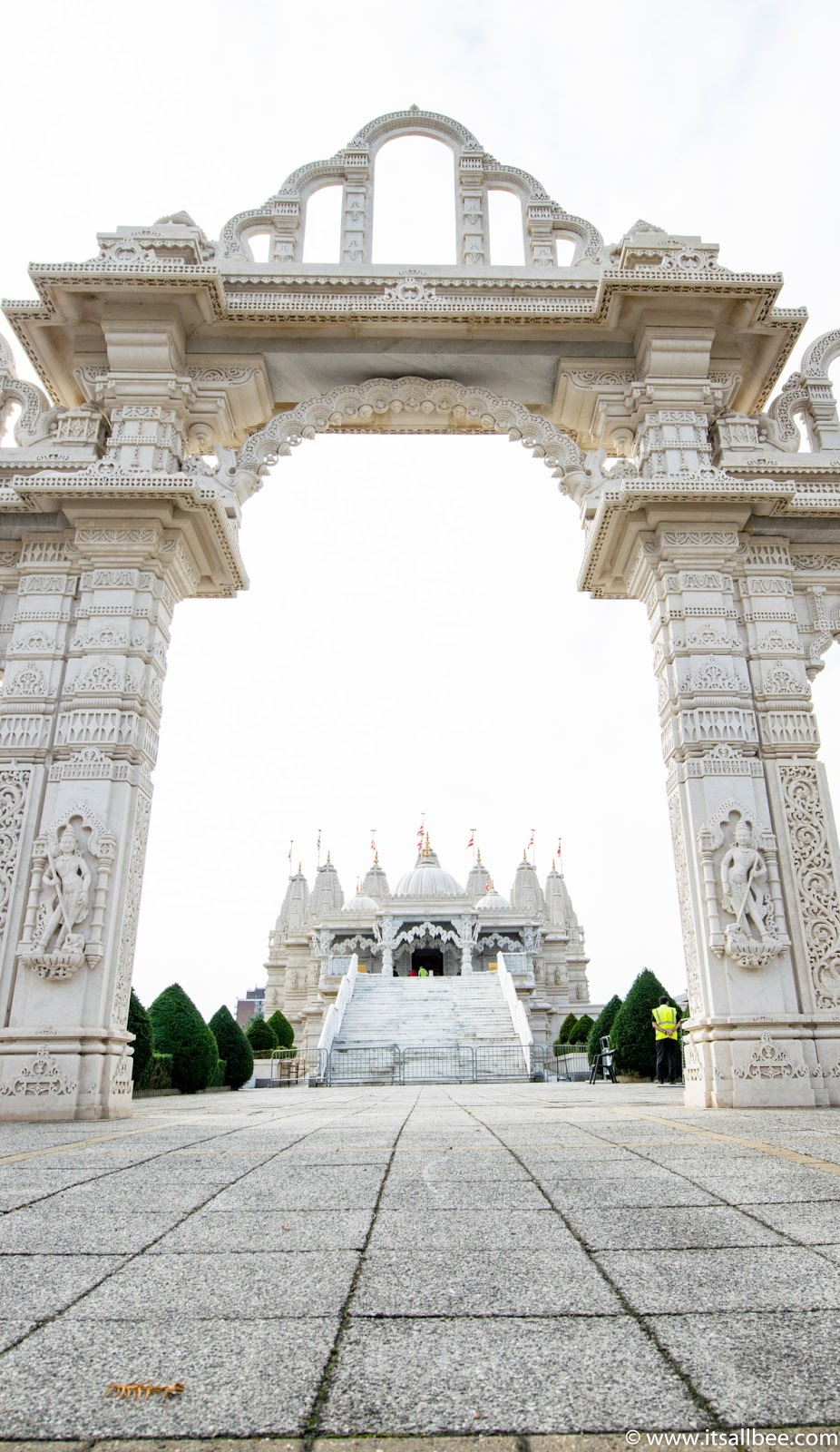 London's Insanely Beautiful Temple You Have To See - Neasden temple or Baps Shri-Swaninarayan Mandir