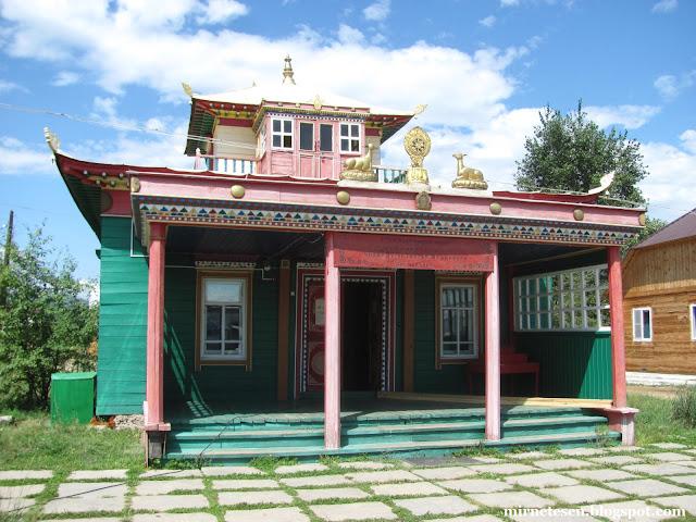 Иволгинский дацан в Бурятии - необычная архитектура, сочетающая в себе русское зодчество и традиционное буддистское