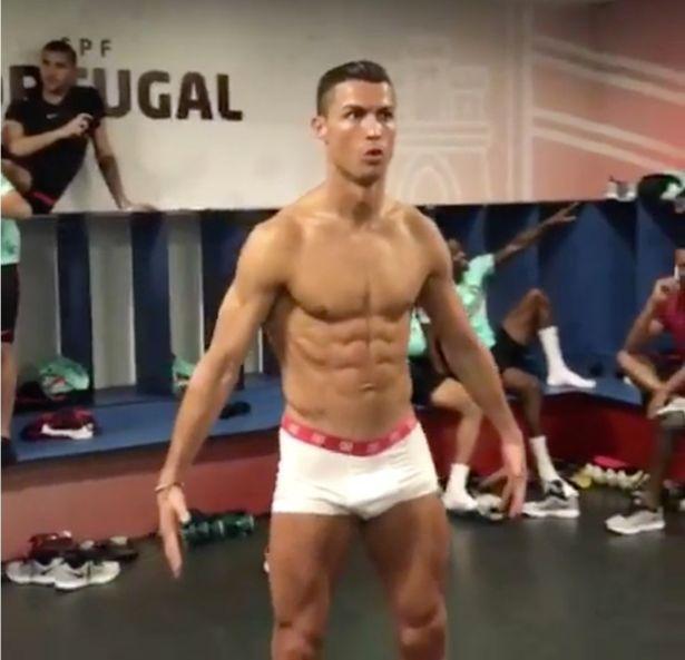 Cristiano Ronaldo shirtless photos show off amazing rig