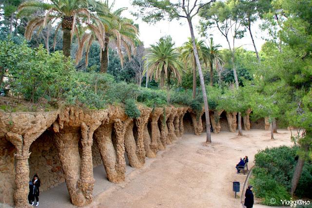 Le colonne elicoidali nell'area monumentale del Parc Guell