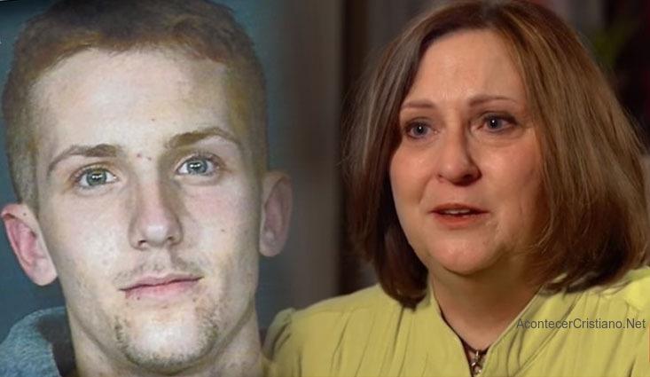 Madre ora por su hijo delincuete