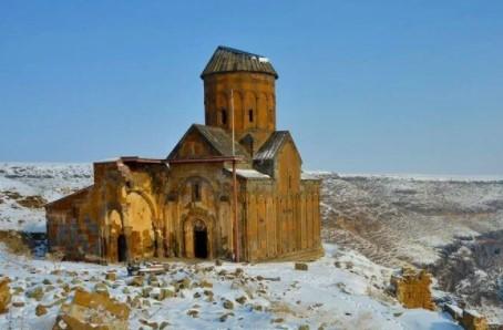 doğu anadoluda gezilecek yerler ani antik kenti