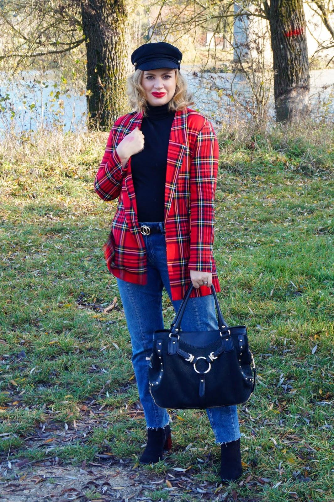 dc0cc307adb3 How to dress down a plaid blazer jacket... - Madame Schischi