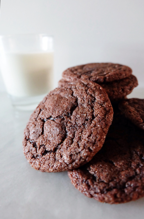 close up of chocolate snickerdoodles