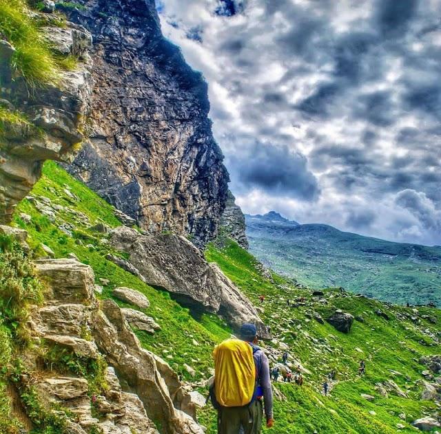 Hampta Pass and Chandratal Lake Trek: A Hidden Treasure in the Himalayas!!